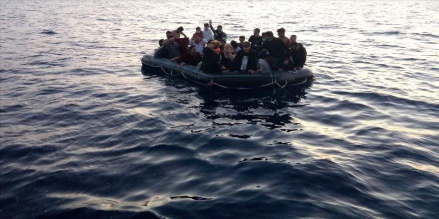 Afrika'dan İspanya'ya düzensiz göç dramında 8 ölü