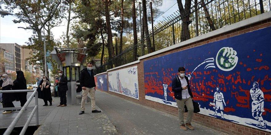 İranlı ekonomistten 'orta sınıf yok oluyor' uyarısı