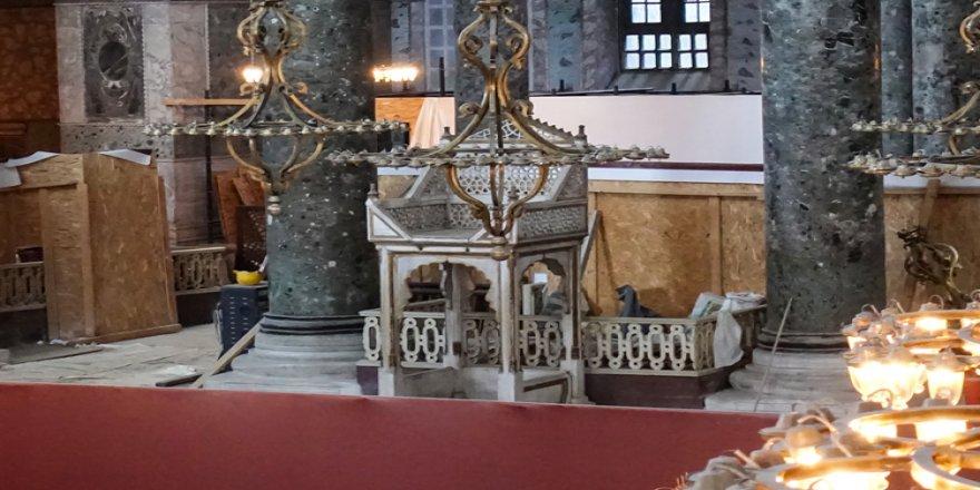 Ayasofya Camisi'nde Serafim Meleği figürü, vaiz kürsüsü ve mahfil yeniden gün yüzüne çıktı