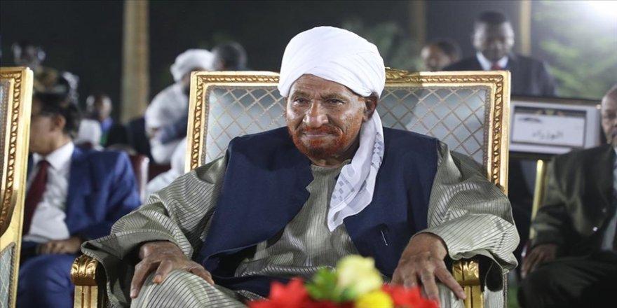 Sudan eski Başbakanı ve Milli Ümmet Partisi lideri Sadık el-Mehdi hayatını kaybetti
