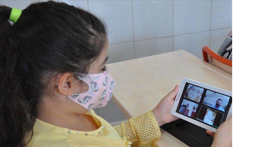 'Acil uzaktan eğitim' sürecinde dijital ayak izine dikkat