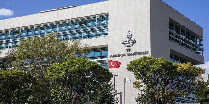 Cumhurbaşkanlığı Hükümet Sistemi'ne uyum için hazırlanan 700 sayılı KHK Anayasa'ya uygun bulundu
