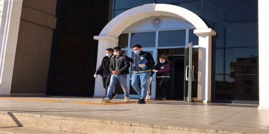 Gebze Cayırova Şantiyeden malzeme çalan 2 hırsız yakalandı