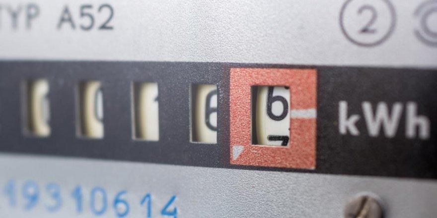 Kayıp-kaçak elektriğin bedelini tüketiciye yansıtan düzenleme uzatıldı