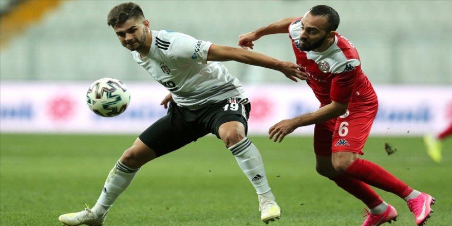 Beşiktaşlı Ajdin Hasic'in Kovid-19 test sonucu yeniden pozitife döndü