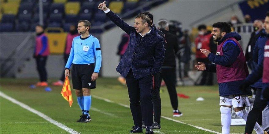 Trabzonspor yeni teknik direktörü Abdullah Avcı ile çıkışa geçti