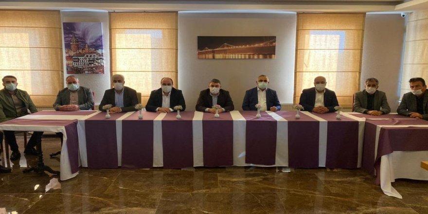 Şayir ve Meclis Üyeleri bir arada