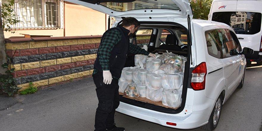 Tuzla'da, karantinada olan vatandaşlara her gün 3 çeşit yemek veriliyor