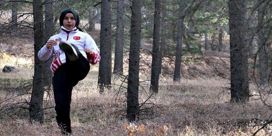 Doğada antrenman yaparak dünya şampiyonasına hazırlanıyor