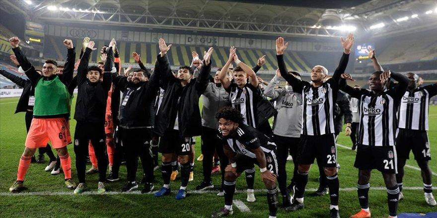 Beşiktaş'tan derbi paylaşımları