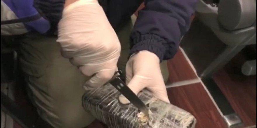 TEM Otoyolu'nda yolcu otobüsünden 87 kilo 150 gram eroin çıktı