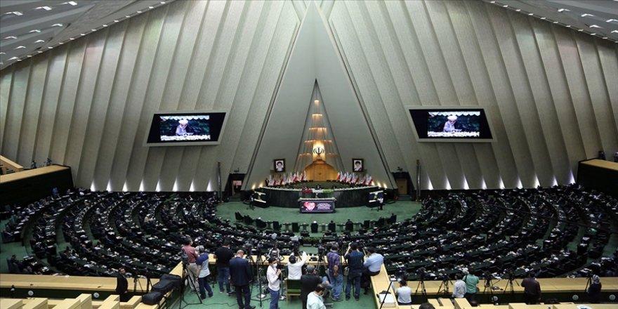 İran meclisi nükleer faaliyetlerin hızlandırılmasını öngören tasarıyı kabul etti