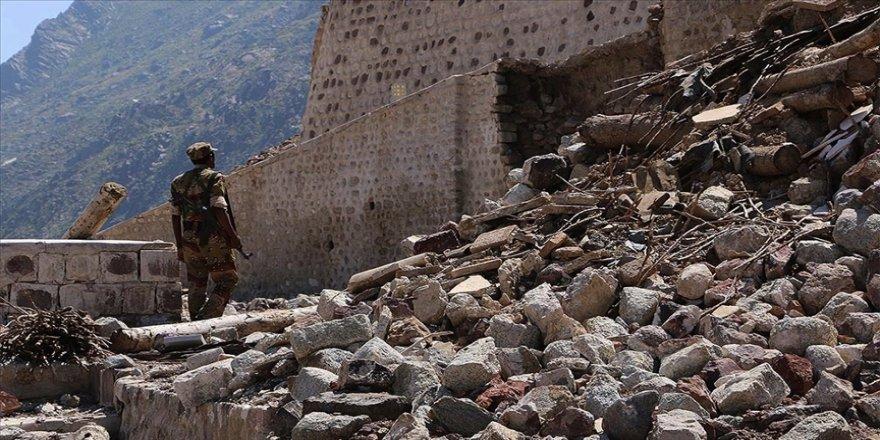 Birleşmiş Milletler, Yemen'de yıllardır süren iç savaş nedeniyle 233 bin kişinin hayatını kaybettiğini açıkladı.