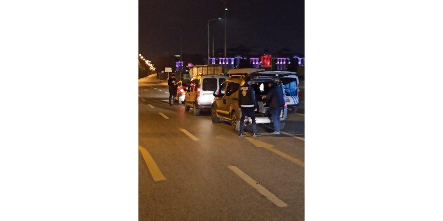 Kocaeli'de tedbirlere uymayan 213 kişiye ceza yağdı