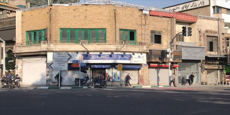İran'da Kovid-19 kısıtlamaları nedeniyle çarşı ve pazarlar kapalı
