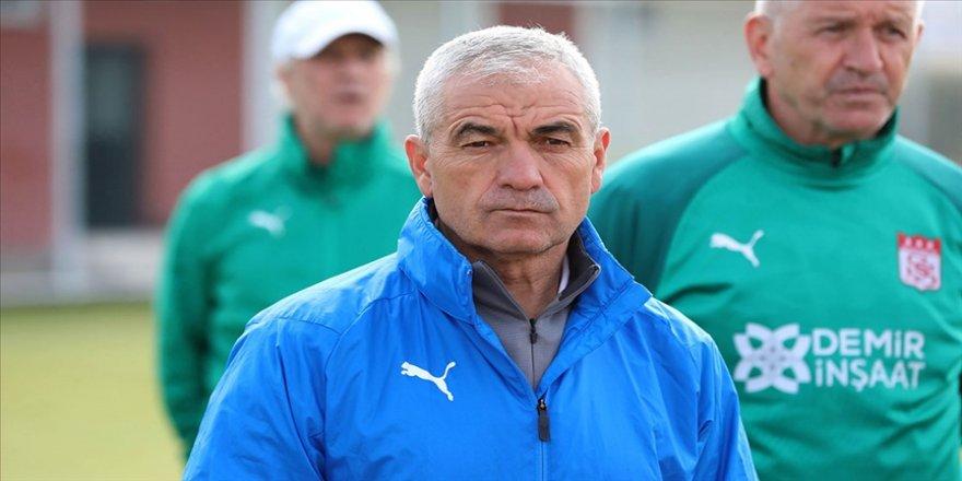Sivasspor Teknik Direktörü Rıza Çalımbay, Kovid-19 testinin pozitif çıktığını açıkladı