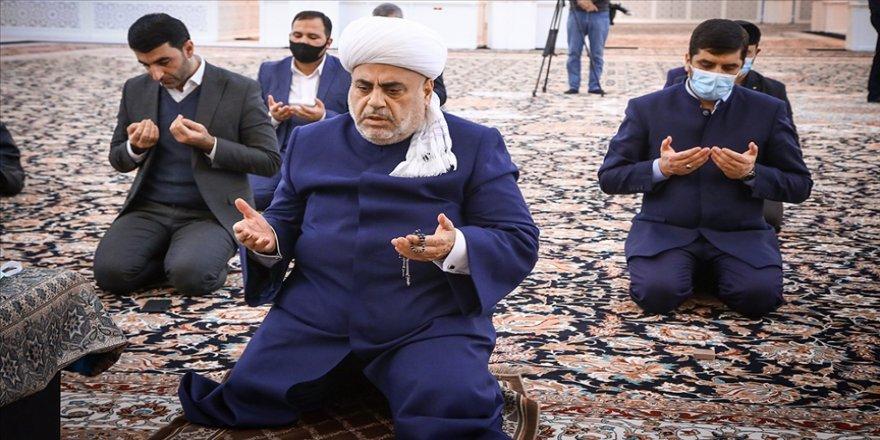 Azerbaycan'daki cami kilise ve sinagoglarda şehitler için dua edildi