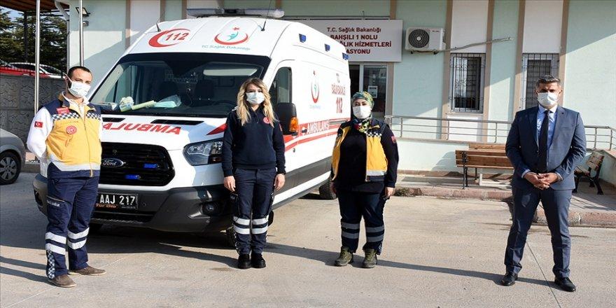 Acil sağlık ekipleri Kovid-19 sürecinde fedakarca görev başında