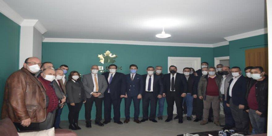 Gelecek Partisi Genel Başkan Yardımcısı Demir, Çayırova ilçe teşkilatını ziyaret etti