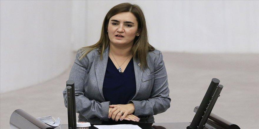 CHP'li Kılıç kadınların siyasette yer alması için önündeki engellerin kaldırılmasını istedi