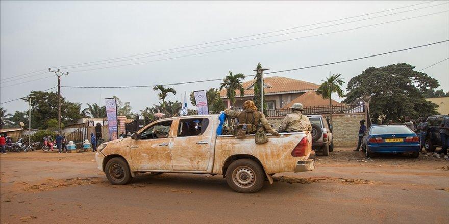 Orta Afrika Cumhuriyeti'nde 10 cumhurbaşkanı adayı 27 Aralık seçimlerinin iptalini istiyor