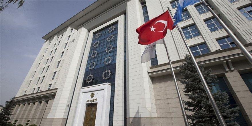 AK Parti üç isim için 81 ilde suç duyurusunda bulunacak