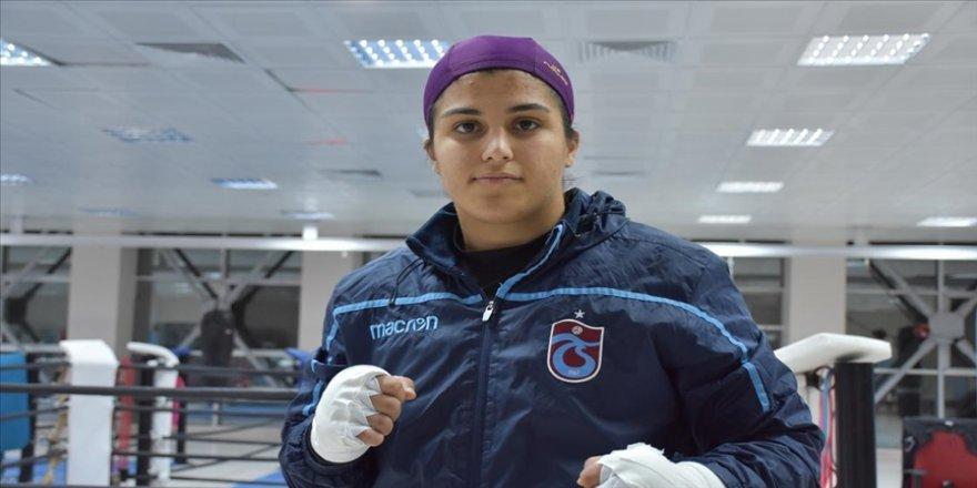 Milli boksör Busenaz Sürmeneli olimpiyatlarda Türk bayrağını dalgalandırmak istiyor