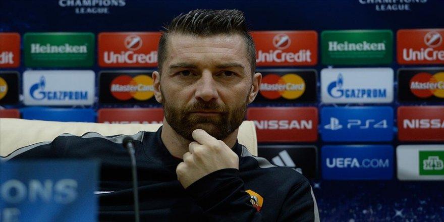 Galatasaray'ın eski kalecisi ve Roma Sportif Direktörü De Sanctis trafik kazası geçirdi