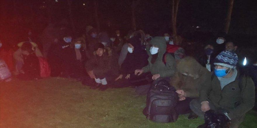 'İtalya'ya götüreceğiz' dedikleri sığınmacıları Aydın'a bıraktılar