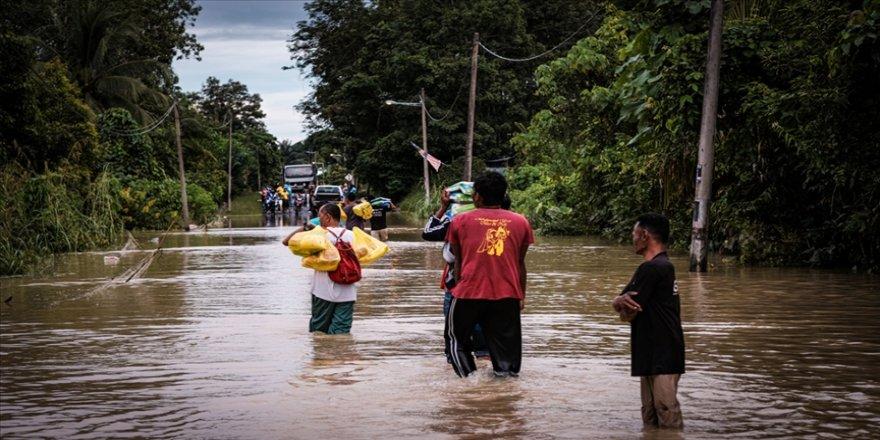 Malezya'da sel nedeniyle 34 binden fazla kişi tahliye edildi