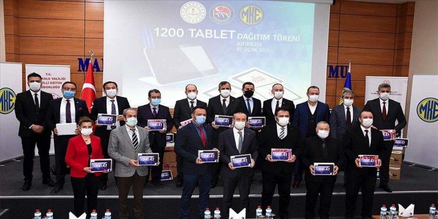 Makina ve Kimya Endüstrisi Kurumundan ihtiyaç sahibi öğrencilere 1200 tablet desteği