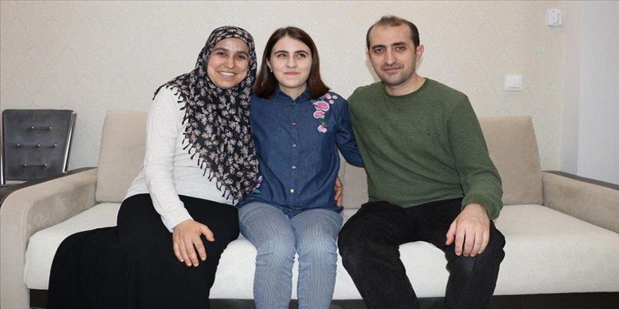 Engelleri aşıp üniversiteli olan Sema'nın en büyük destekçisi annesi
