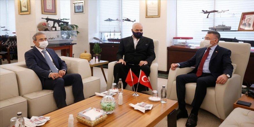 Cumhurbaşkanı Yardımcısı Oktay ve Arnavutluk Başbakanı Rama, Savunma Sanayii Başkanlığını ziyaret etti