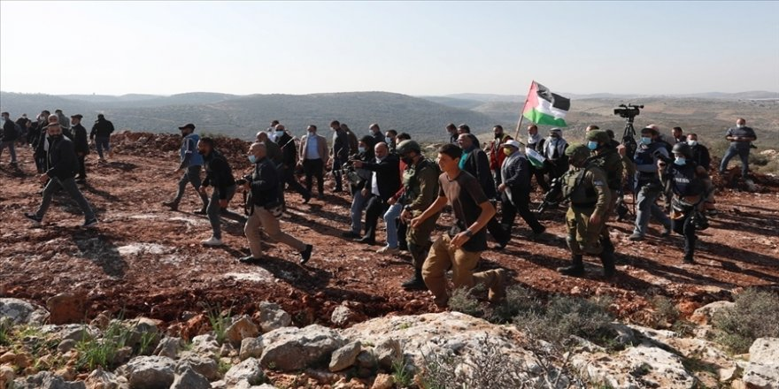 Yahudi yerleşimciler Batı Şeria'da 3 Filistinliyi yaraladı