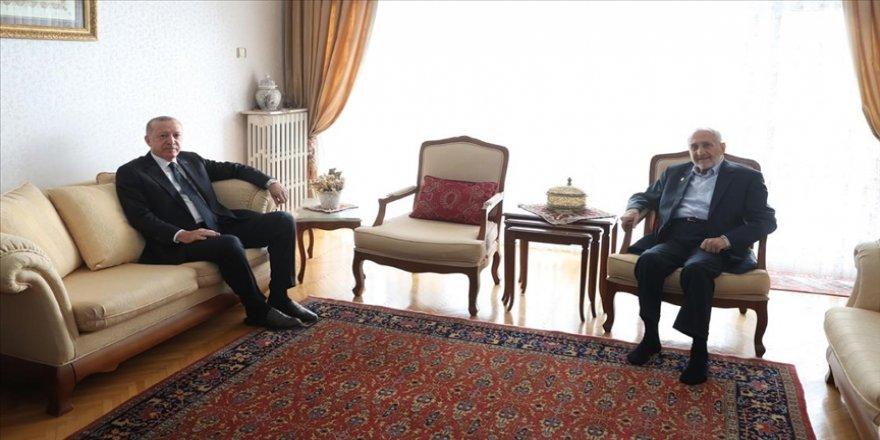 Cumhurbaşkanı Erdoğan, Saadet Partisi Yüksek İstişare Kurulu Başkanı Asiltürk'ü ziyaret etti