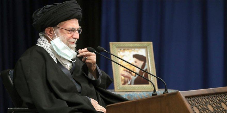 Hamaney ABD ve İngiliz aşılarının İran'a girişini yasakladı