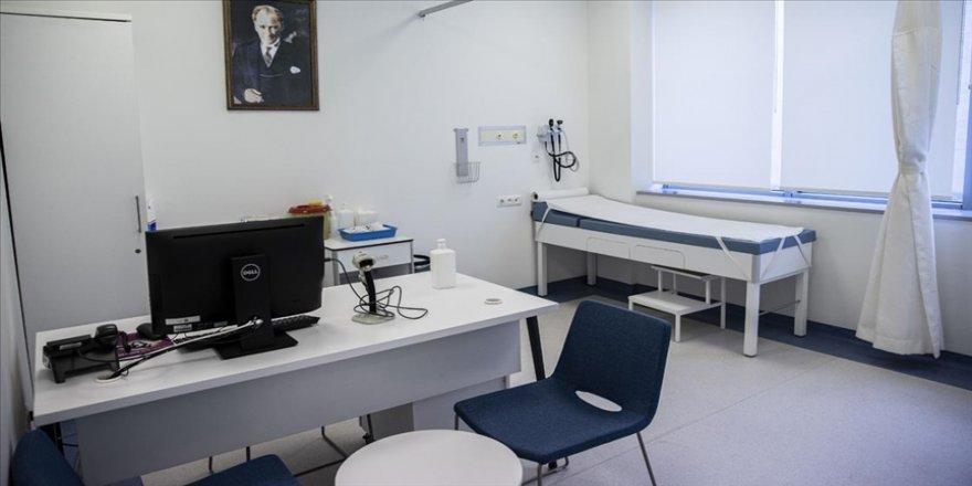 Hastanelerde Kovid-19 aşı odaları hazırlanmaya başladı