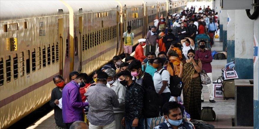 Hindistan'da son 24 saatte Kovid-19'dan 228 kişi daha yaşamını yitirdi