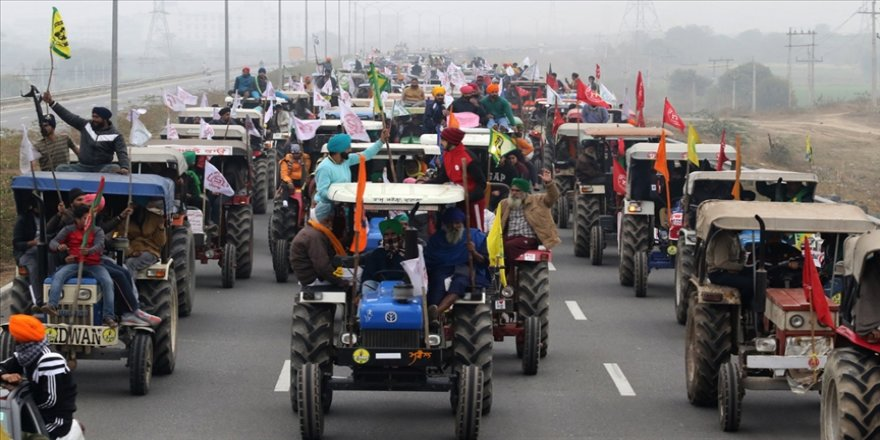 Hindistan'da protestocu çiftçilerle hükümet arasında 8. tur görüşmelerinden de sonuç alınamadı