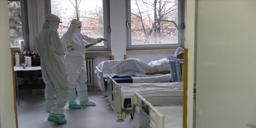 Türkiye'de son 24 saatte 9 bin 537 kişinin testi pozitif çıktı, 181 kişi hayatını kaybetti