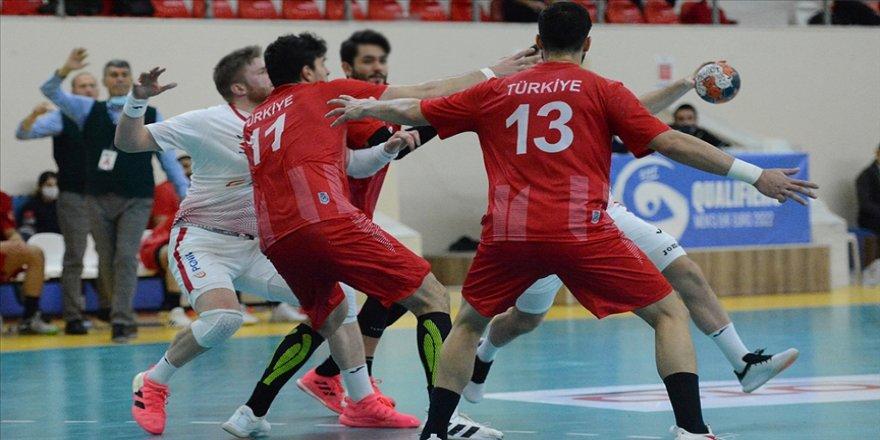 A Milli Erkek Hentbol Takımı Polonya'ya 35-24 yenildi