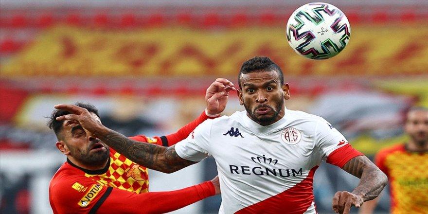 Antalyaspor'un deplasman galibiyeti özlemi dindi