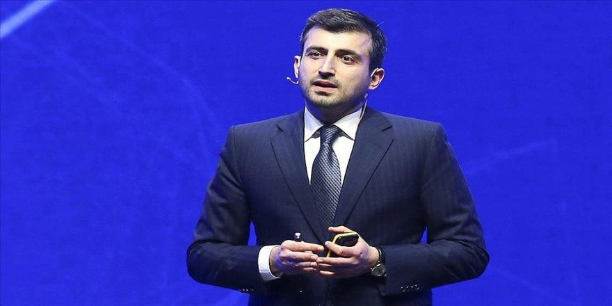 Baykar Teknik Müdürü Bayraktar'dan '#WhatsAppSiliyoruz' kampanyasına destek