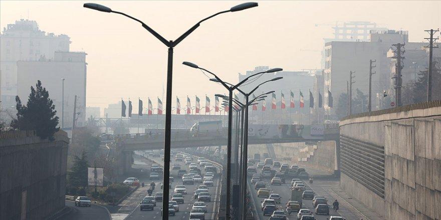 Tahran'da hava kirliliğinin riskli seviyede olduğu açıklandı