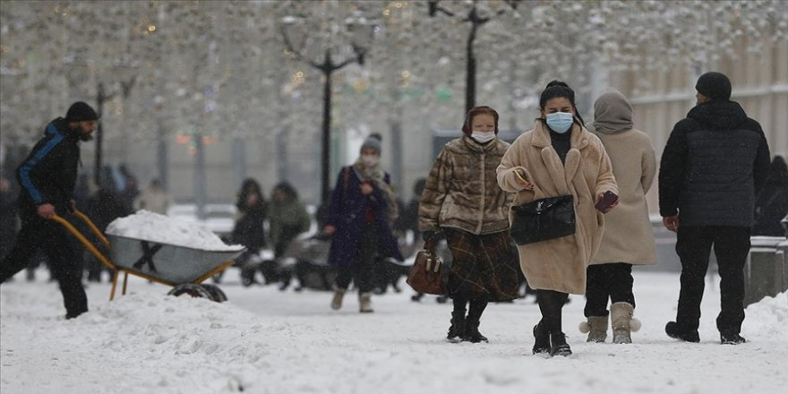 Dünya genelinde Kovid-19 tespit edilen kişi sayısı 90 milyon 177 bini geçti