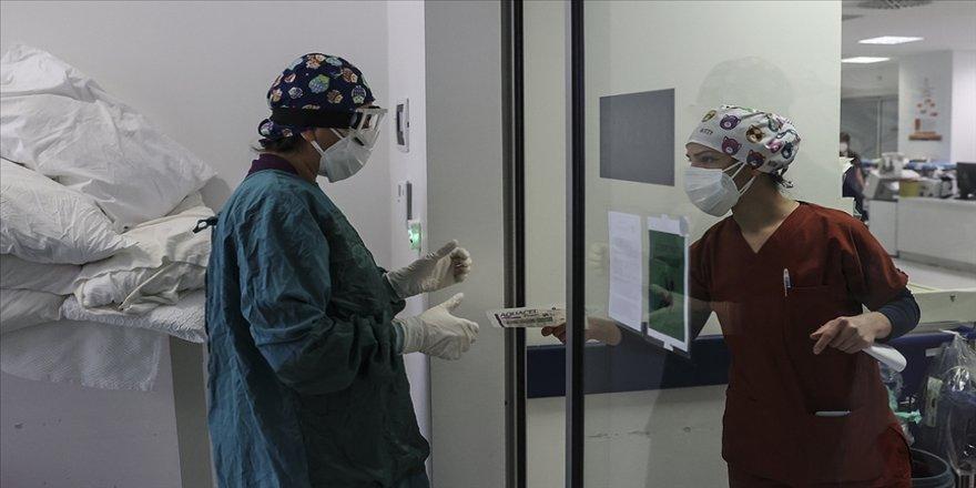 Türkiye'de son 24 saatte 9 bin 138 kişinin Kovid-19 testi pozitif çıktı, 176 kişi hayatını kaybetti