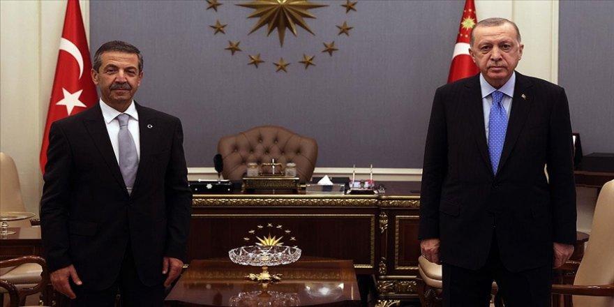 Cumhurbaşkanı Erdoğan, KKTC Dışişleri Bakanı Ertuğruloğlu'nu kabul etti