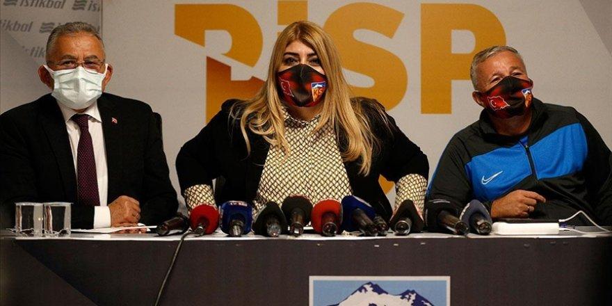 Kayserispor teknik direktör Dan Petrescu için imza töreni düzenledi