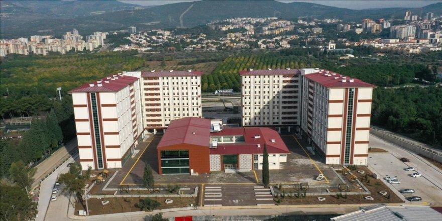 İzmir'de üniversitelilere 5 yıldızlı otel konforunda barınma imkanı
