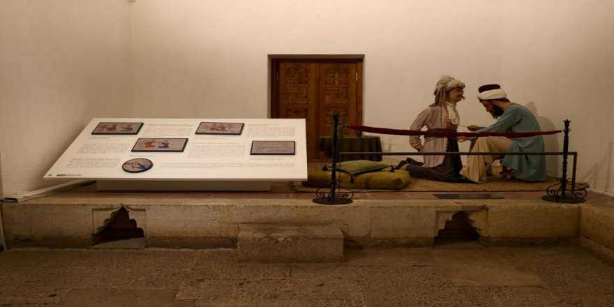 Osmanlı'nın sağlık hizmetlerinin anlatıldığı müze salgın sürecinde de ziyaretçi ağırladı